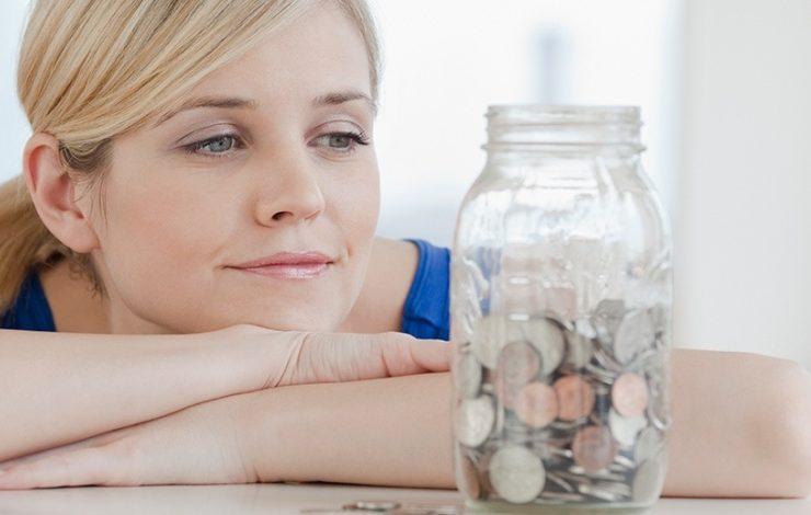 Οι 10 καθημερινές συνήθειες που μας... φτωχαίνουν!