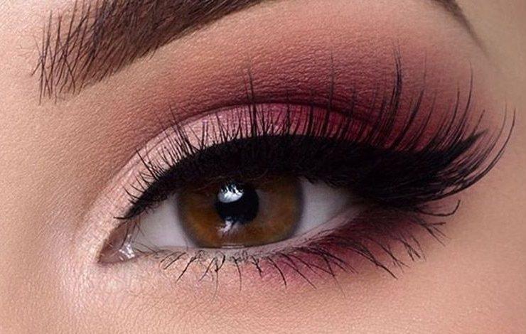 Νέα τάση: Smokey eye... ροζ!