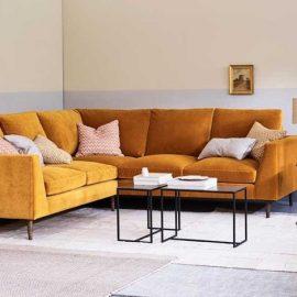 Μια καλή ιδέα είναι να τοποθετήσετε τον καναπέ σας με τέτοιο τρόπο, ώστε να βρίσκονται και οι δύο πλευρές του σε τοίχους του σπιτιού