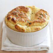 Σουφλέ με κουνουπίδι και κατσικίσιο τυρί