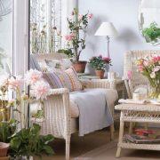Τα φυτά και τα λουλούδια δίνουν το στίγμα τους σε ένα καλόγουστο και με άποψη σπίτι