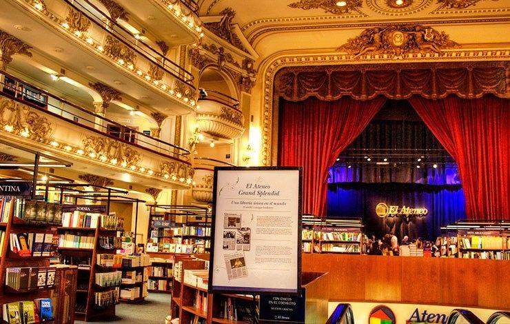 Μία επίσκεψη στο El Ateneo Grand Splendid μαγεύει με την αίσθηση του μεγάλου θεάτρου που διατηρεί και ως βιβλιοπωλείο