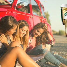 Vanilla Bean Macchiato, για όσες λατρεύουν τον καφέ Arabica και τη γλυκιά νότα της βανίλιας // Το κρύο ρόφημα καφέ Starbucks Cappuccino για εκείνη που θέλει έναν δροσερό συνδυασμό πλούσιου espresso, με γάλα και νότες κακάο, ελαφρώς γλυκό // Για την κλασική, τι άλλο από έναν Caffè Latte;