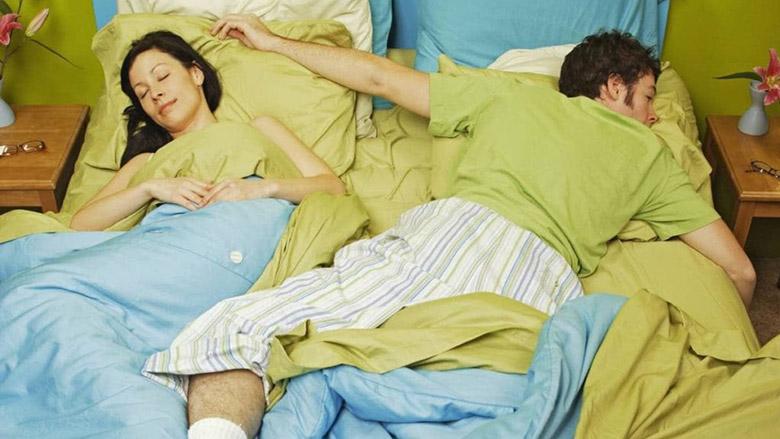 Ο σύντροφός σας πιάνει όλο το κρεβάτι: Όλοι έχουμε τα...κουσούρια μας!