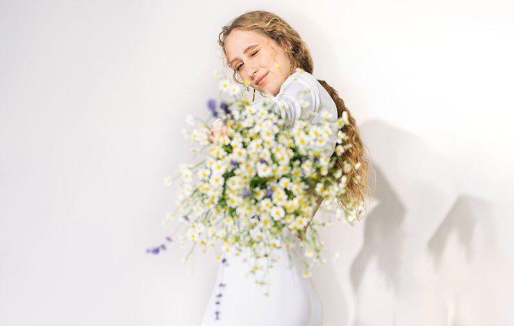 Η Stella McCartney λανσάρει συλλογή με νυφικά