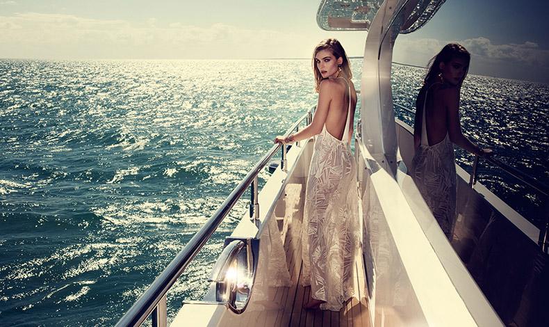 Για τις νυχτερινές εμφανίσεις; Ένα μακρύ φόρεμα ή καφτάνι κρίνεται… απαραίτητο!