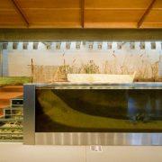Εντυπωσιακό ο χώρος του μουσείου με το ενυδρείο
