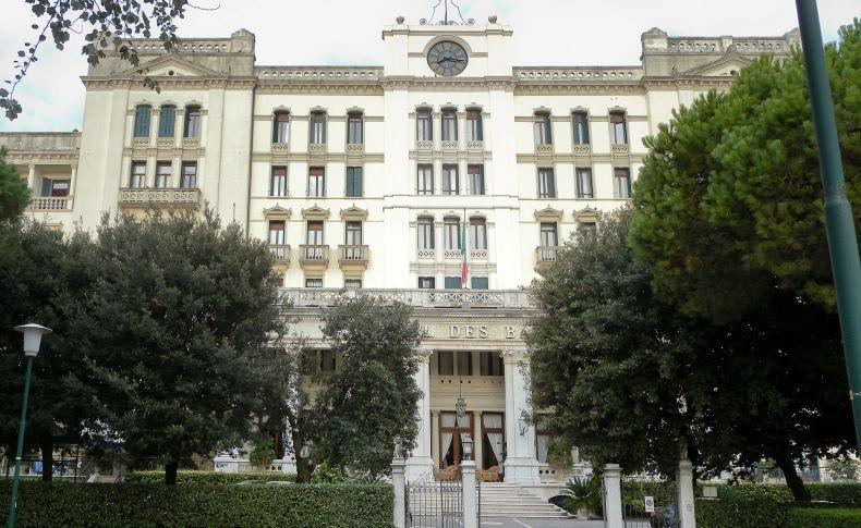 Οι πλούσιοι και διάσημοι θαμώνες του ξενοδοχείου Le Grand Hοtel des Bains στη Βενετία, έγιναν αφορμή για να γράψει ο Τόμας Μαν το «Ο θάνατος στη Βενετία»