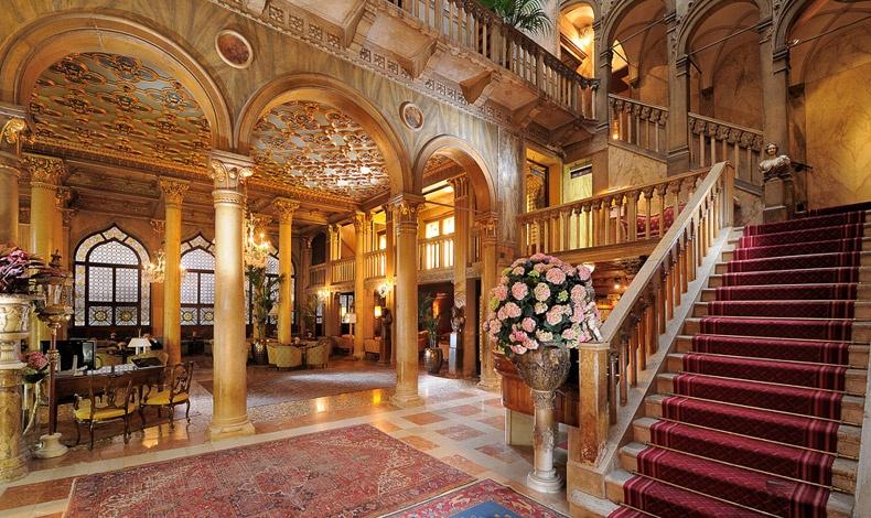 Στη Βενετία, ο Αλφρέντ ντε Μισέ και η Γεωργία Σάνδη έζησαν τον παθιασμένο έρωτά τους στο διάσημο ξενοδοχείο Hôtel Danielli