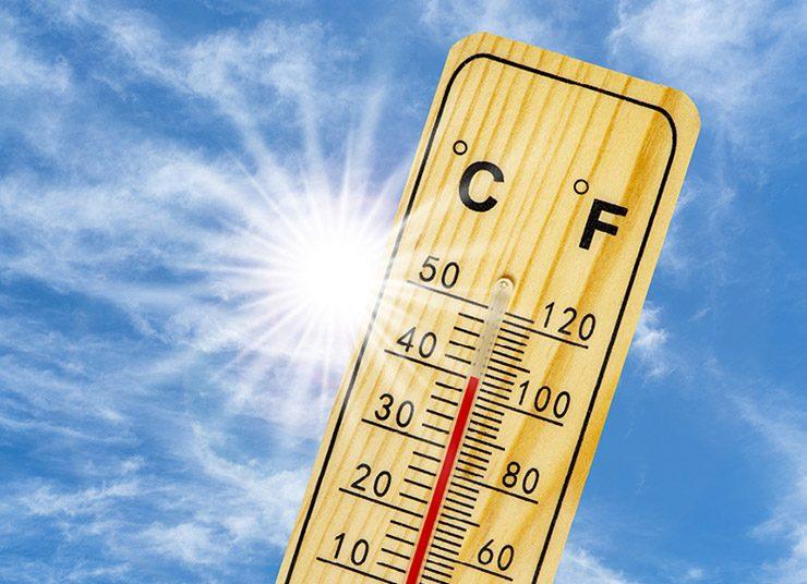 Χρήσιμες συμβουλές όταν το θερμόμετρο ανεβαίνει… με τον κορωνοϊό