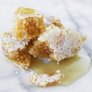 Συνταγές... ομορφιάς με μέλι: Αληθινός θησαυρός!