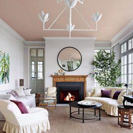 «Το ταβάνι είναι ο πέμπτος τοίχος κάθε δωματίου και του αξίζει ιδιαίτερη προσοχή», λέει ο Νεοϋρκέζος διακοσμητής εσωτερικών χώρων Stephen Fanuka