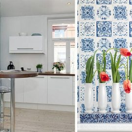 Η ταπετσαρία μπορεί να ντύσει και έναν τοίχο της κουζίνας σας! // Μία ταπετσαρία που αναπαριστά τα κλασικά ajulezos πλακάκια από την Πορτογαλία θα δώσει ρετρό και στιλ στην κουζίνα!