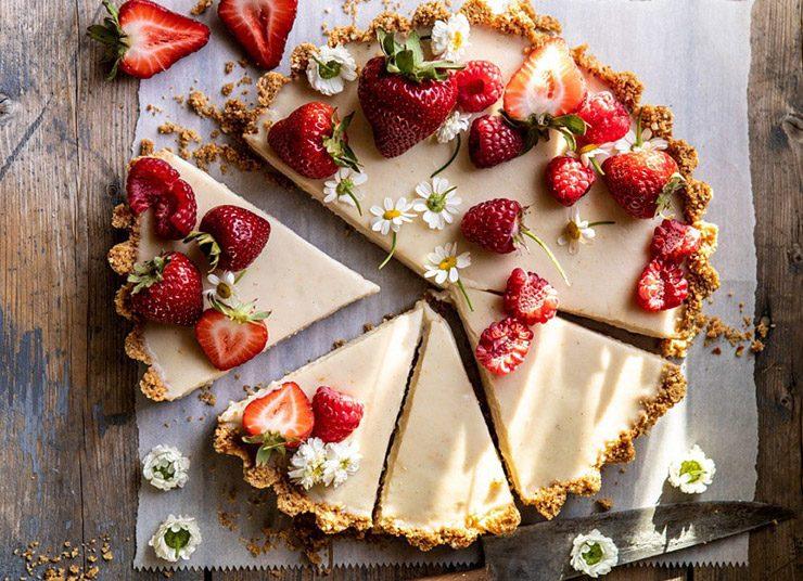 Τάρτα με κρέμα ζαχαροπλαστικής και φράουλες