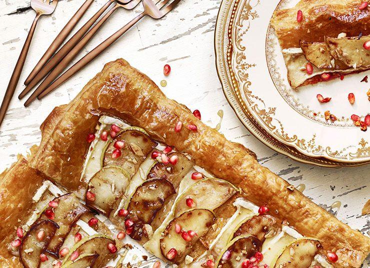 Τάρτα με τυρί μπρι και μήλα: Μία «Γαλλίδα» στο γιορτινό τραπέζι!