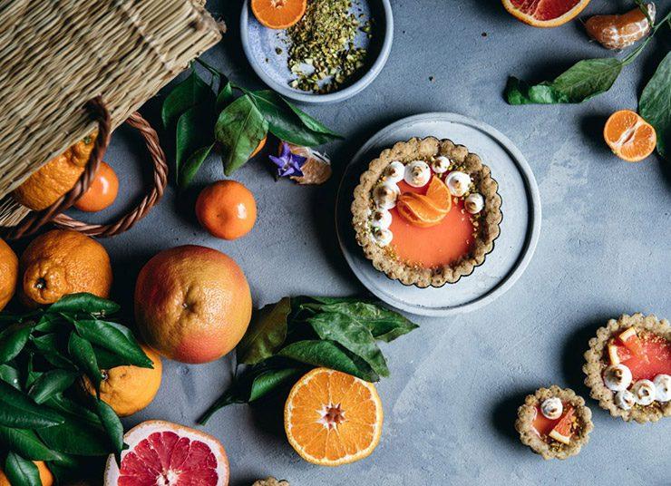 Ταρτάκια με πανακότα και ζελέ εσπεριδοειδών: Ύμνος στα φρούτα της εποχής!
