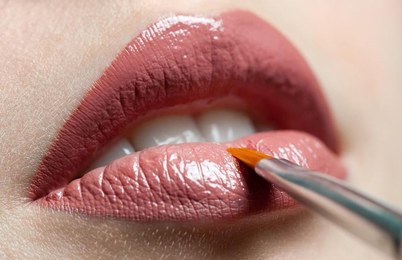 Πώς θα δώσετε στα χείλη σας το τέλειο σχήμα;