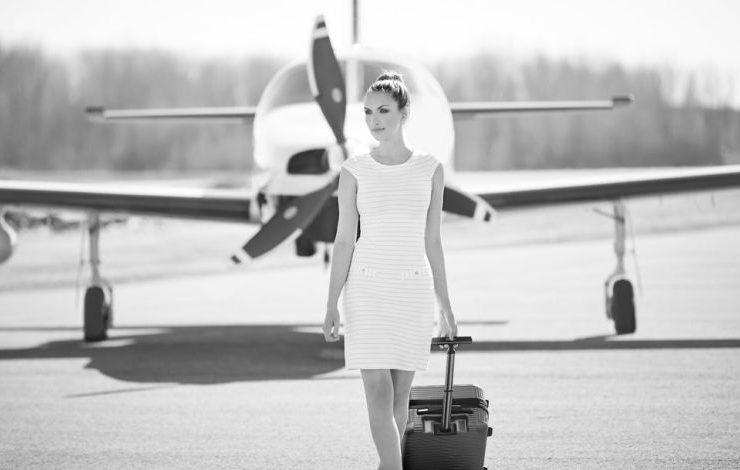 Ταξίδι με το αεροπλάνο; Τι να ΜΗΝ φορέσετε!