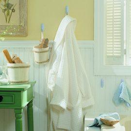 Υπέροχες λύσεις και για το μπάνιο με τα γαντζάκια Command