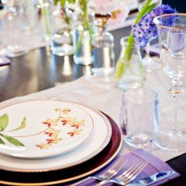 Λουλουδάτα μοτίβα στα σερβίτσια σας φέρνουν την άνοιξη στο τραπέζι σας!