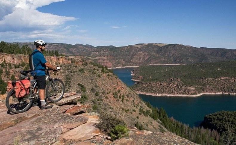 Παίρνοντας το ποδήλατο μία ακόμη ανερχόμενη τάση για τον τουρισμό