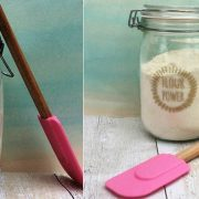 Φυλάξτε το αλεύρι σας σε καθαρό, αεροστεγές δοχείο για να το διατηρήσετε για περισσότερο