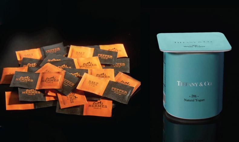 Hermes για ατομικές συσκευασίες αλατοπίπερου // Το γαλάζιο-τιρκουάζ από τις πολύτιμες συσκευασίες των κοσμημάτων Tiffany & Co «ντύνει» ένα ταπεινό γιαουρτάκι