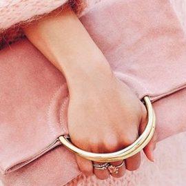 Το ροζ είναι το χρώμα που συνιστάται, αν θέλετε να περνάτε καλά με το εισόδημά σας