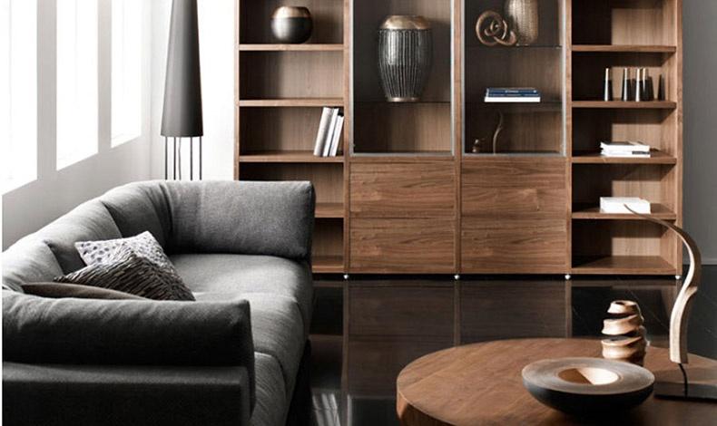 Καθώς ωριμάζει, το ξύλο της βελανιδιάς γίνεται πιο σκούρο με αποτέλεσμα να φαίνεται πιο ζεστό και πολυτελές