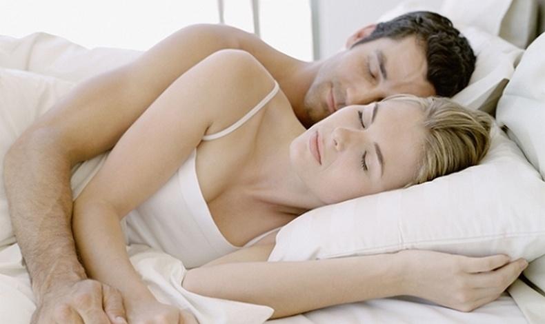 Ο τρόπος που κοιμάστε αποκαλύπτει τη σεξουαλική σας ζωή!