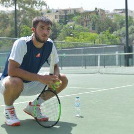Ο Αλέξανδρος Σκορίλας που στα 18 του χρόνια είναι επικεφαλής της Εθνικής Ομάδας Tένις Νέων Ανδρών