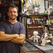 Ο 22χρονος μηχανικός υπολογιστών και εφευρέτης Χάρης Ιωάννου ξενυχτάει για την καινοτομία