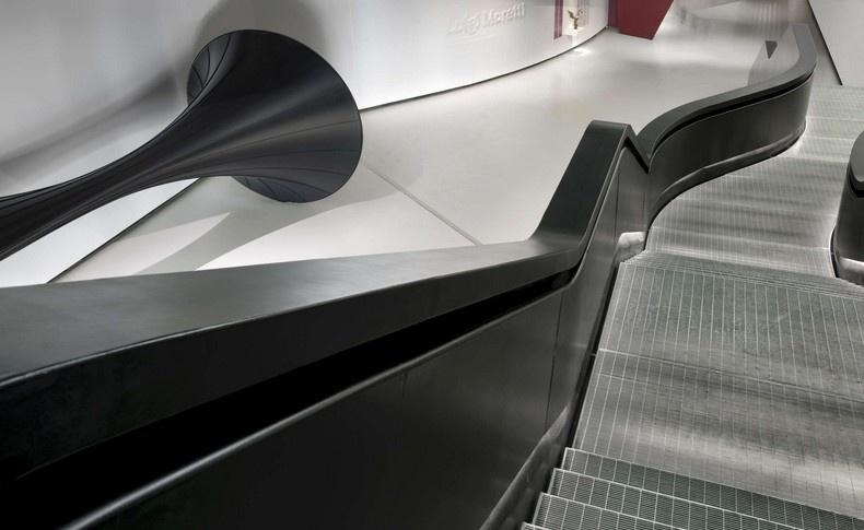 Ένα από τα αμφιλεγόμενα project της Zaha Hadid, το μουσείο MAXXI: Museum of XXI Century Arts στη Ρώμη (φωτο: Bernard Touillon)