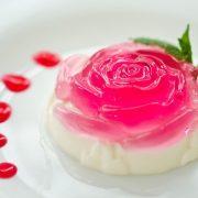 Ζελέ από τριαντάφυλλα με κρέμα