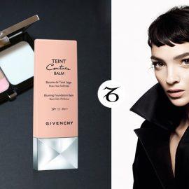 Το στιλ και η διαχρονική αξία του οίκου Givenchy έλκουν μία Αιγόκερω. Η συλλογή μέικαπ Teint Couture ανταποκρίνεται στις υψηλές απαιτήσεις της, ενώ το Teint Couture Compact που κλείνεται μέσα σε ένα κομψό, δερμάτινο σαν clutch τσαντάκι σαν αληθινό αντικείμενο Υψηλής Ραπτικής... γίνεται αντικείμενο του πόθου!