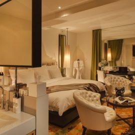 H Junior Suite αποπνέει μία ζεστή αίσθηση φιλοξενίας και άνεσης